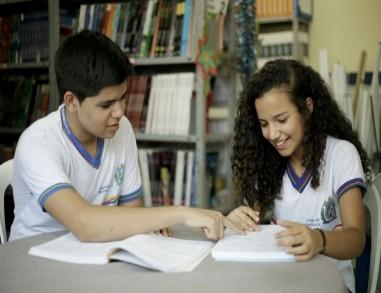 Governo de Pernambuco anuncia auxílio alimentação para alunos da rede pública