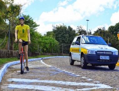 Novo Código de Trânsito aumenta valor de multa para motorista que desrespeita ciclista